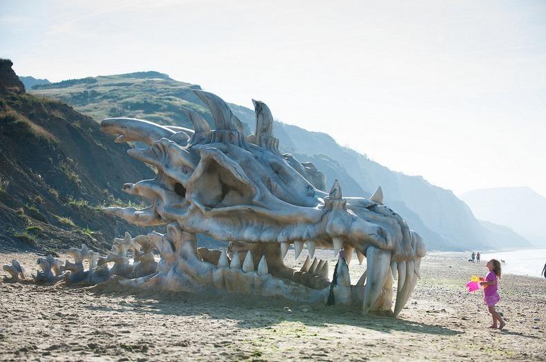 blinkbox-dragon-skull-4[2]
